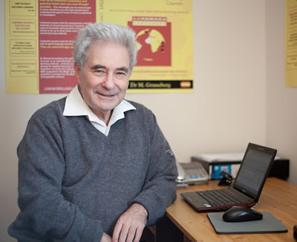 Dr Michael M Gruneberg